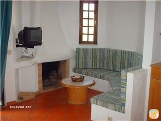 seating area with fireplace