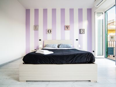Violet Room. AIR-CONDITIONS, Tv 32', wireless hi fi system for listen your music