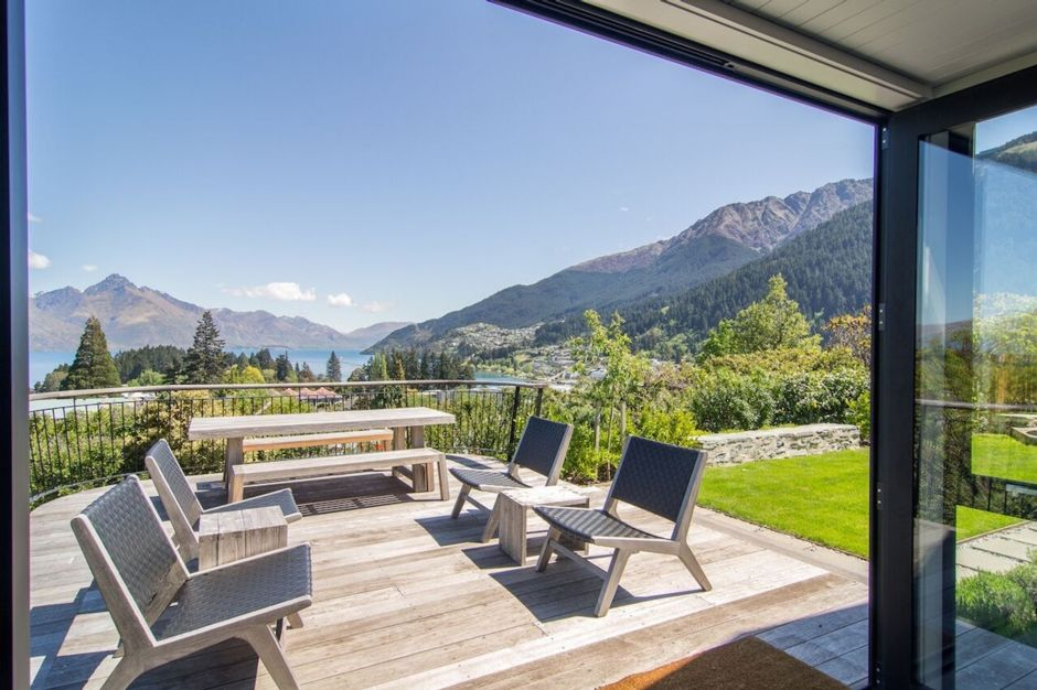 Waldmann Cottage - Moments from Central Queenstown