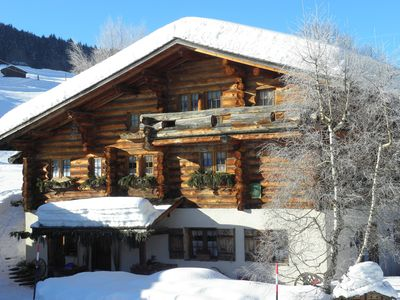 Photo for 1 floor ski-in chalet in Prazarly 9 min away from Megève