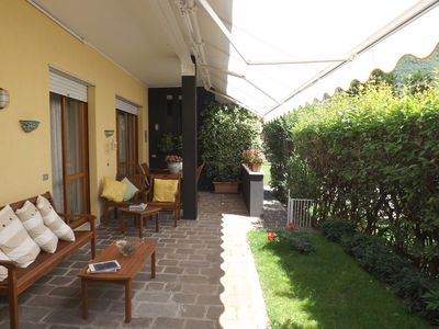 Photo for Elegant apartment in the heart of Salò with garden