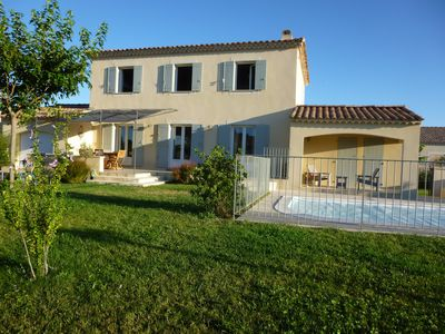 Photo for Provencal Bastide Luberon quiet with view