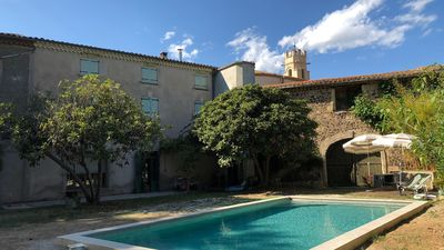 Photo for Beautiful mansion with beautiful pool, 10 minutes from Pézenas