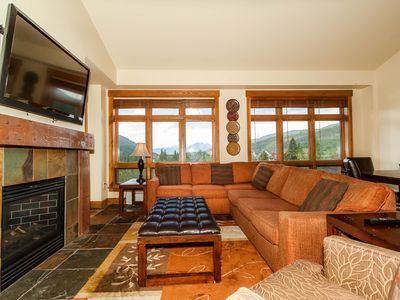 Photo for 3-Bedroom Penthouse Condo, High-end Finishes, 2-minute Walk to Gondola