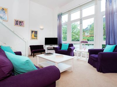 Photo for Light and modern 3 bed apartment sleeping 6 in beautiful Belsize Park (Veeve)