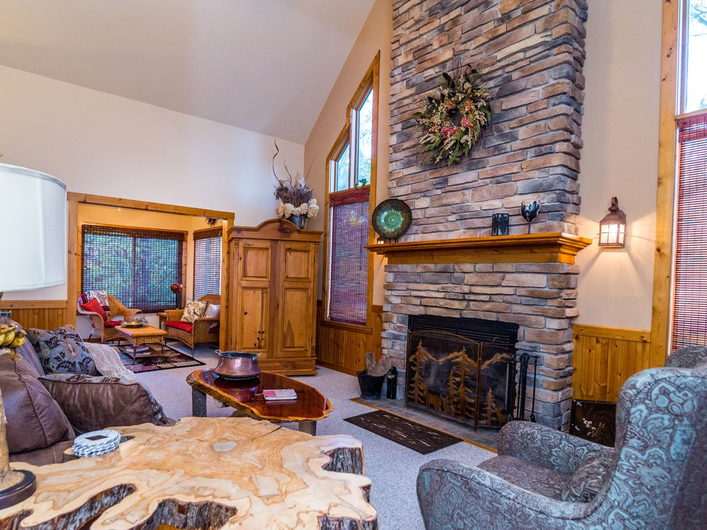 charming 3br 3ba with tub fireplace u0026 vrbo