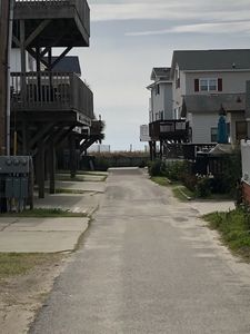 5 HOUSES FROM THE BEACH!
