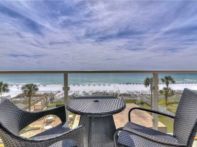 Photo for 1,907 sq ft w/ Incredible Views +Double King Beds