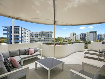 Photo for Private Rooftop BBQ 2 Bedroom Beach Apartment - Caribbean Resort Mooloolaba