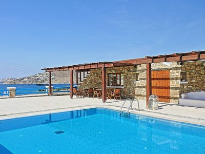 Photo for Maganos Frangiska Endeka: Mykonos Apartment, close to the sea, breakfast included, shared pool