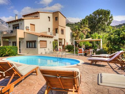 Photo for Comfortable villa with pool and sea views in Plakias.