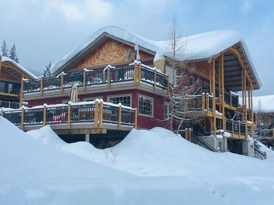 Photo for Slope-Side 2 bedroom with private hot tub!