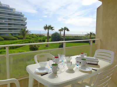 Photo for 2 bedroom Apartment, sleeps 4 with Pool, WiFi and Walk to Beach & Shops