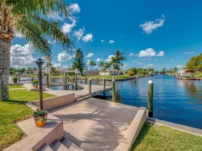 "Photo for ""SeeChelle Escape"" Luxury Waterfront Home in Cape Coral, FL w/beautiful sunsets!"