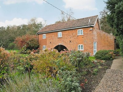 Photo for 4 bedroom property in Horning. Pet friendly.
