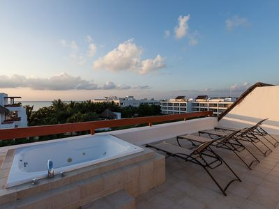 Photo for Duplex Penthouse, Rooftop Jacuzzi, Awesome Ocean Views