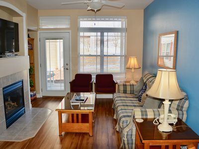 220 - Condo, Indoor & Outdoor Pool, Perfect for Families