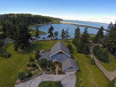 Photo for Luxury Lodge Style Custom Home on Private Oceanfront Lagoon Acreage.