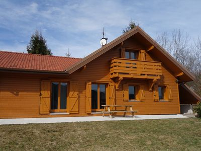 Photo for Mountain lodge immersed in nature – Chalet Gentiane