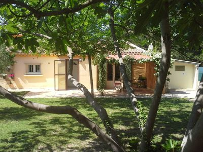Photo for Provencal villa 3 * with heated pool & garden in L'Isle / Sorgue