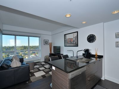 Photo for Modern Sub-Penthouse Condo W/ Views