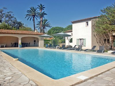 Photo for Villa with pool, 100 m from the Canoubiers Beach in Saint-Tropez