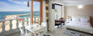 Photo for Stunning ocean view with jacuzzi ()