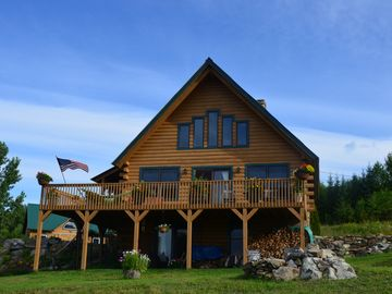 Unique 4-level Log Home On 50 Acres With Beautiful White Mountain Views