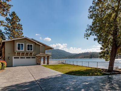 Photo for Luxurious lakefront home with private yard and dock