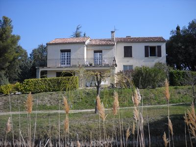 Photo for Country house 3 km from Vaison surrounded by pine trees and vineyards