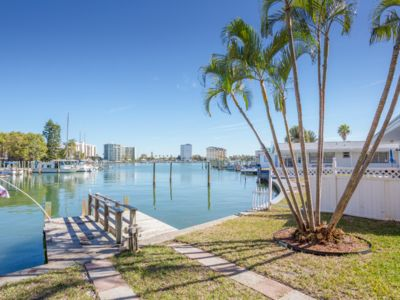 Town Home with Intercoastal Views and Boat Dock