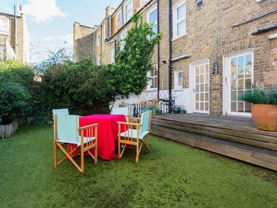 Photo for Spacious Six Bedroom House moment from the King's Road, Sleeps 14 (Veeve)