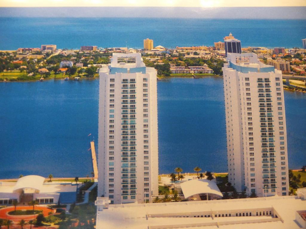 Daytona luxury waterfront condo 15th homeaway kingston for 15th floor on 100 floors