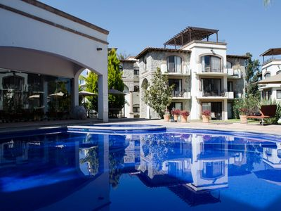 Photo for Beautiful Apartment with great location and pool.