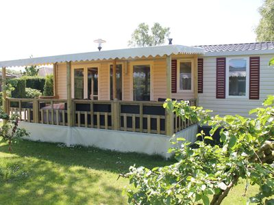 Photo for Lovely apartment for 6 guests with pool, WIFI, TV, pets allowed and parking