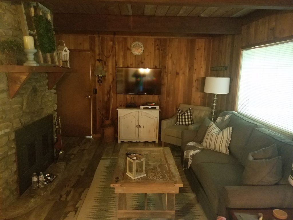 Property Image#5 Wolf Laurel CC Golf Front Cabin With STUNNING VIEWS!