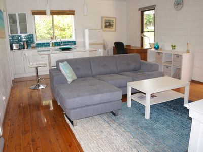 Photo for Studio in Emerald with breakfast, between Brisbane and Sydney, pet friendly.
