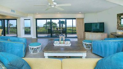 "Photo for Clamshell ""C"" Gulffront 2 bedroom Townhouse, newly renovated, secluded, sleeps 4, pool"