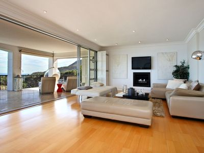 Photo for Contemporary-Chic and Beautifully Styled House
