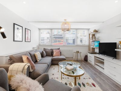 Photo for The Queen's Club Escape - Modern 2BDR with Private Garden