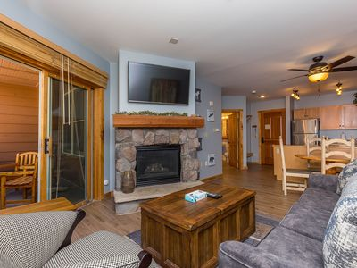 Near Gondola, Updated Kitchen, Village & Partial Slope Views, Free WIFI