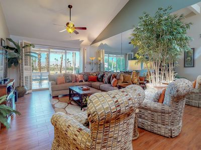 Photo for Beautifully remodeled condo on golf course w/shared pool & hot tub