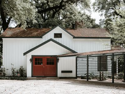 Photo for Romantic room in a Historic Plantation Home