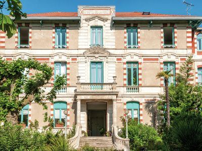 Photo for Apartment in historic town villa in the town of Arcachon