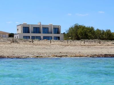 Photo for HOUSE ON THE BEACH WITH POOL. FAMILY VILLA FOR 6 PEOPLE FIRST SEA LINE