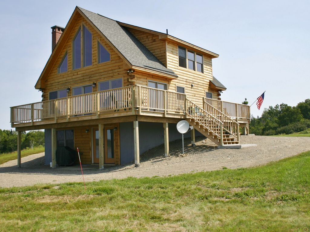 Elegant log home with unobstructed ocean views 3 br for Elegant log homes