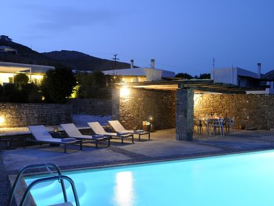 Photo for 5-bedroom villa with pool 5 minutes drive away from famous port of Naoussa