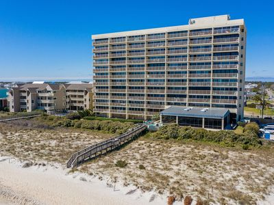 Photo for Oceanfront. Indoor/outdoor pools, spa, elevators, great rate!  Free WiFi, Book 2019 now!