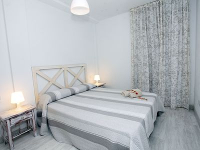 Photo for Apartment Cuarzo, very central with capacity for 4 guests.