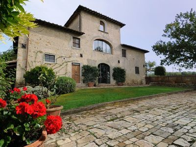 Photo for 6BR Villa Vacation Rental in Montefiridolfi